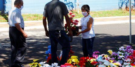 Consulta virtual auxilia na localização de túmulos no Dia de Finados
